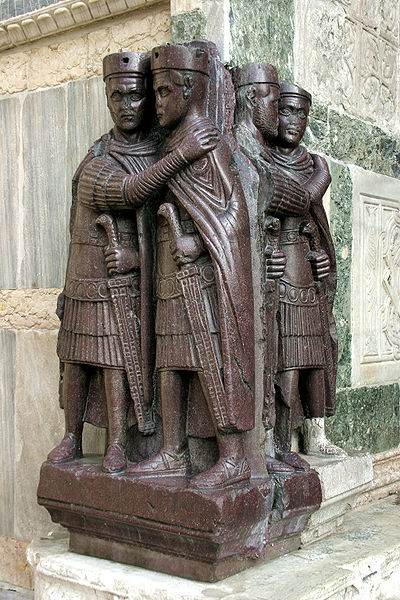 Four Kings sculpture